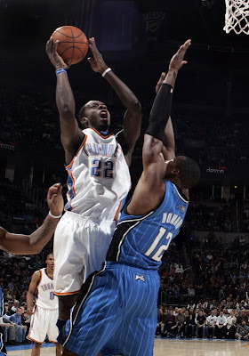 Magic overwhelms undermanned Thunder