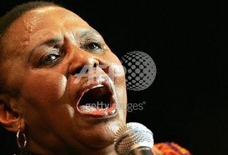 Miriam Makeba: Famosa cantante y defensora de los derechos raciales