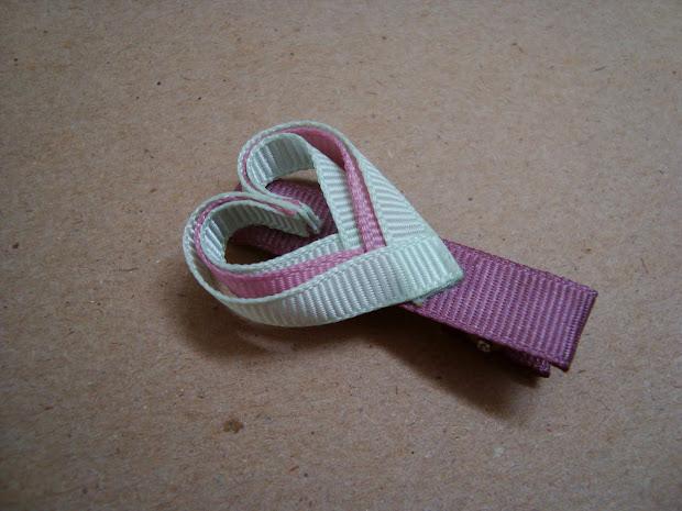 bow ribbon triple hearts