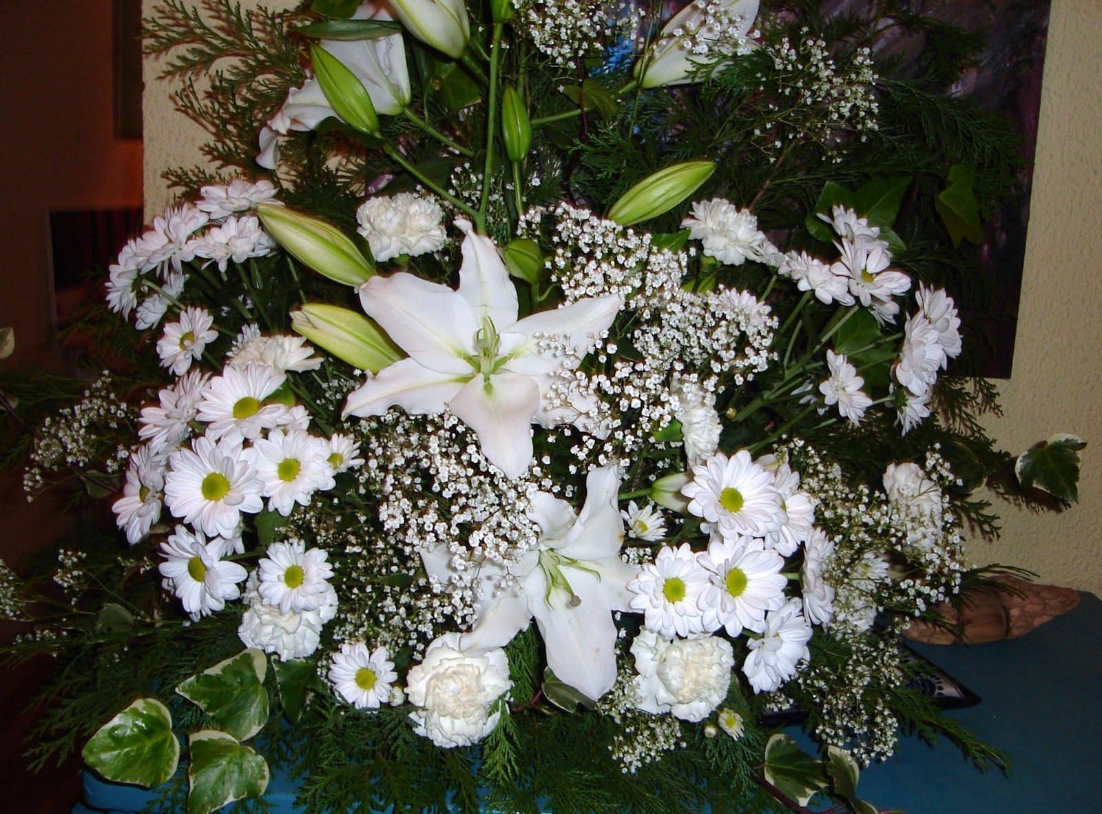 Flores naturales centro para iglesia - Centros de plantas naturales ...