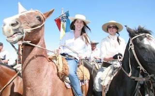 Soledad Pastorutti y Mónica Gutiérrez