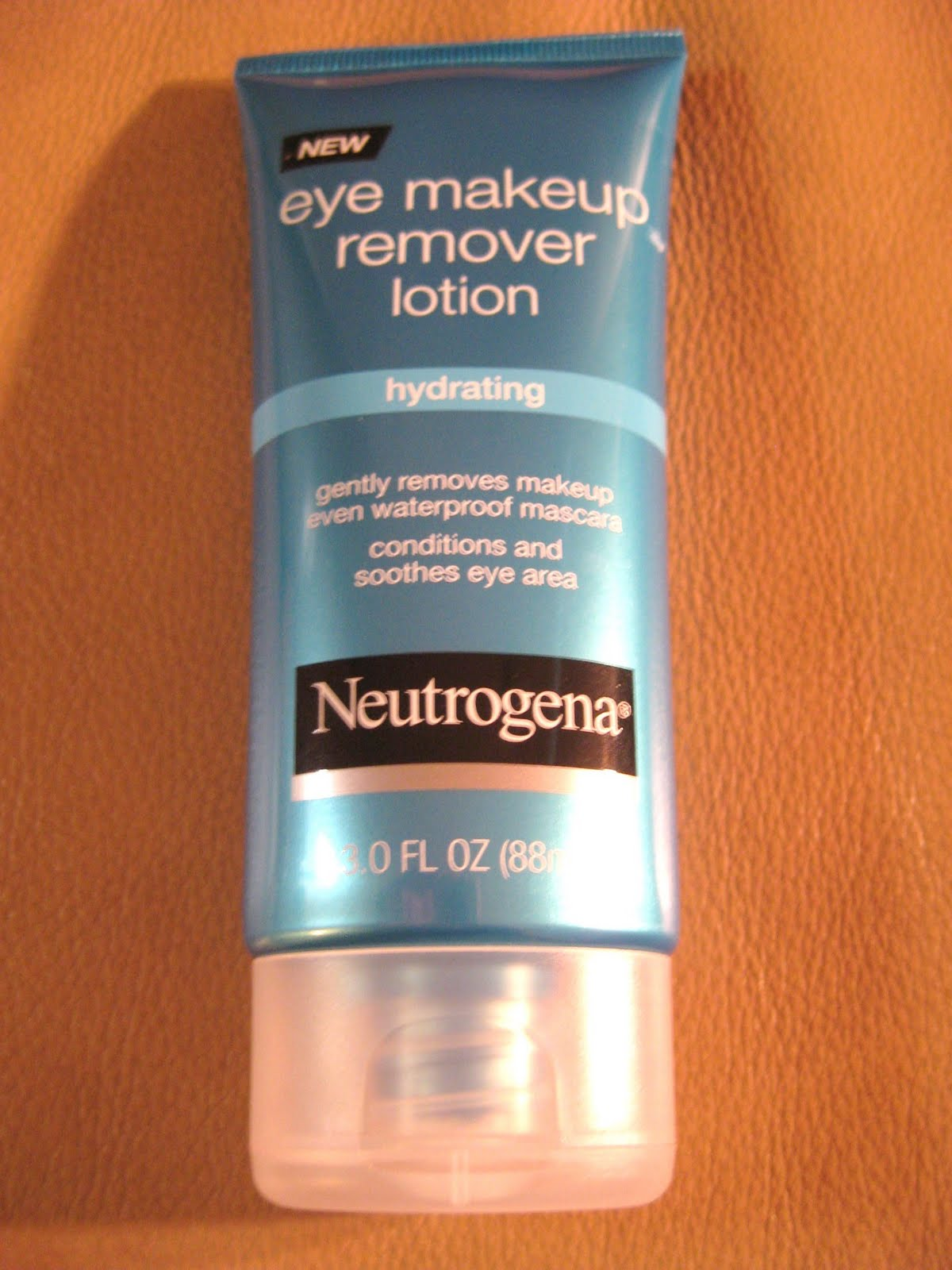 Beauty Babble Review NEW! Neutrogena Hydrating Eye Makeup Remover Lotion