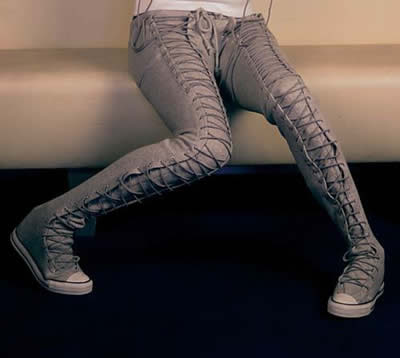 http://4.bp.blogspot.com/_VvbhFH9lUgI/RiAjIaJ4-lI/AAAAAAAAByA/2iRc-JMKXts/s400/pantshoe.jpg