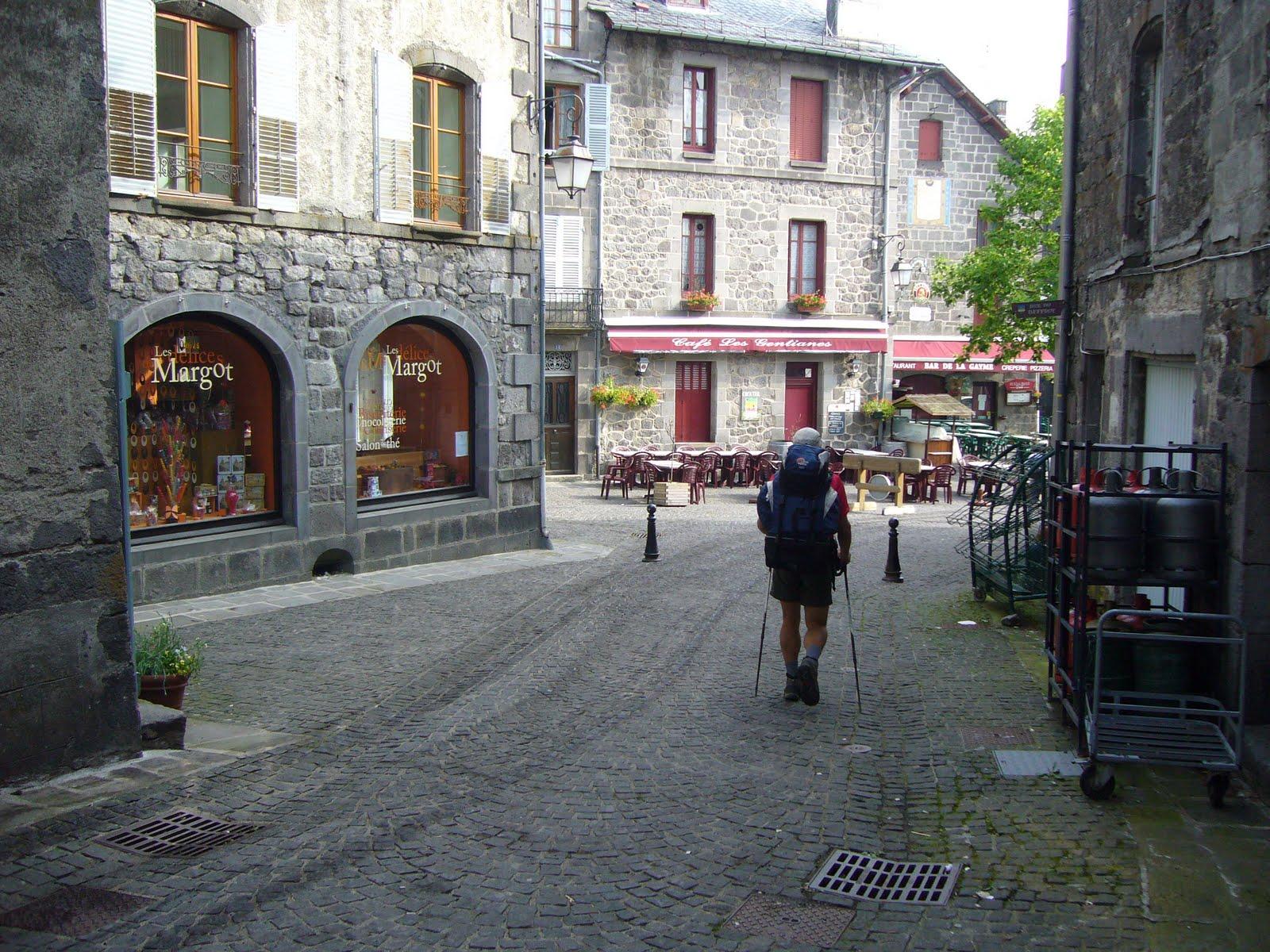 Salangane974 rando en auvergne de besse en chandesse murol - Office du tourisme besse en chandesse ...