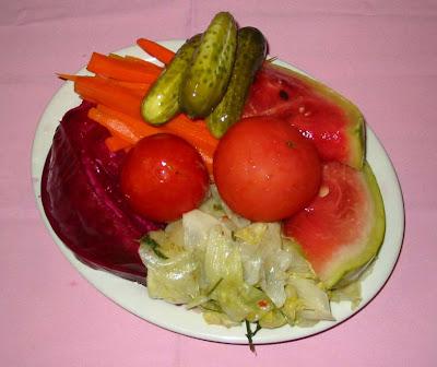 pickles variados - incluyendo de sandía