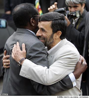 Mugabe y Ahmadinejad