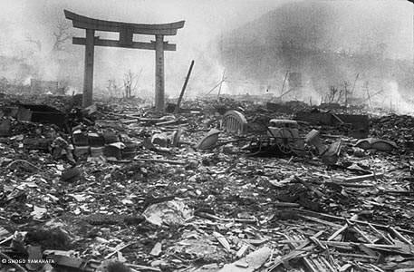 http://4.bp.blogspot.com/_VwcSD0Nq3ak/TFtWHVkFvrI/AAAAAAAAAYE/i4BdsmMgfJg/s1600/07-japon-nagasaki-tras-la-bomba-atomica_jpg.jpg