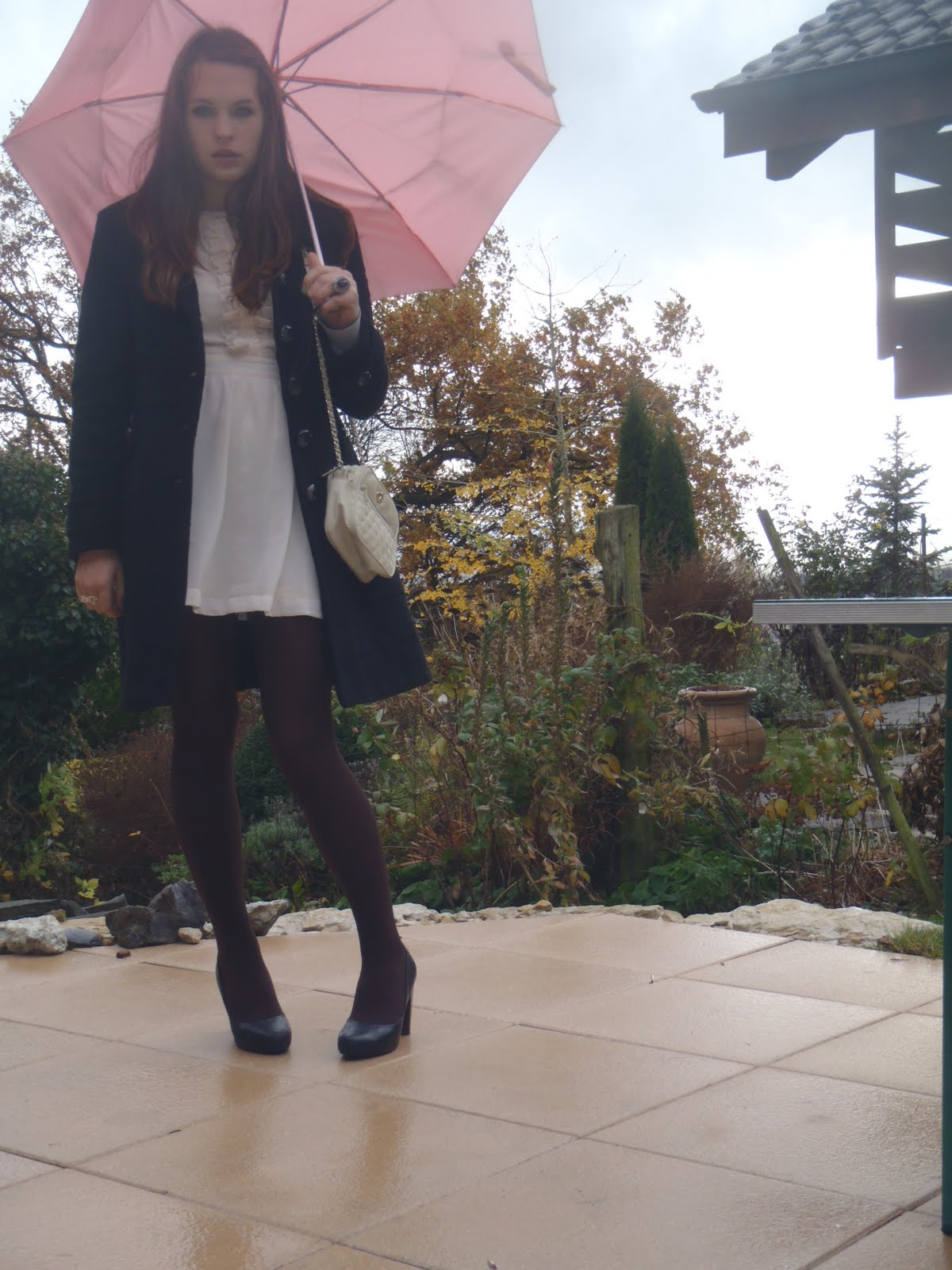 http://4.bp.blogspot.com/_VwqMaVOLOGQ/TR3jIxGpOsI/AAAAAAAACAo/cnqYcR31Y-M/s1600/umbrella%2B017.JPG