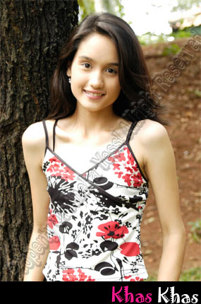 Foto Cinta Laura on Download Foto Cinta Laura Free Celebrity Wallpapers