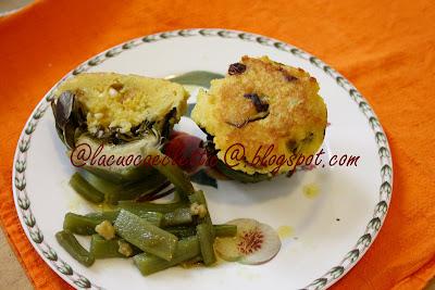 Carciofi ripieni con uva passa e pinoli