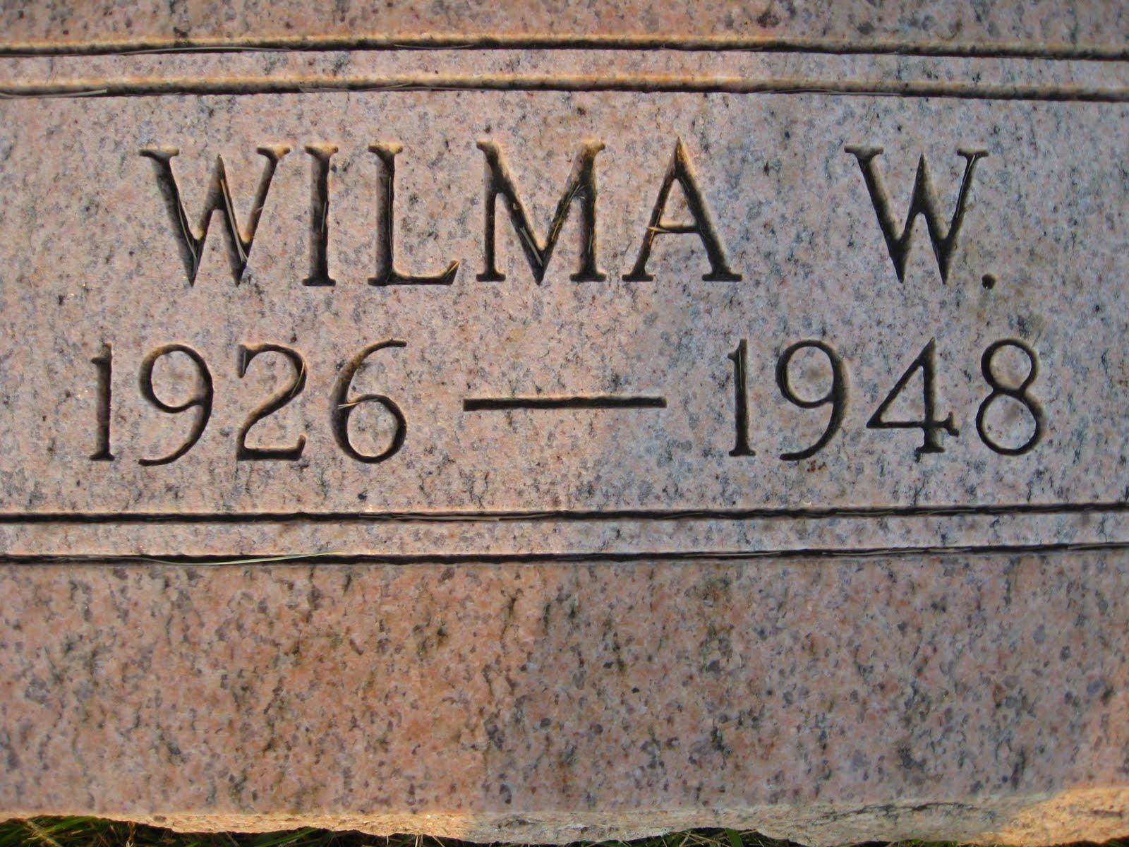http://4.bp.blogspot.com/_VzR3ueVWGdg/TCN5-ZrBGtI/AAAAAAAAAtk/BaRwZnc-xQM/s1600/Lily+Visits+Wilma+011.JPG