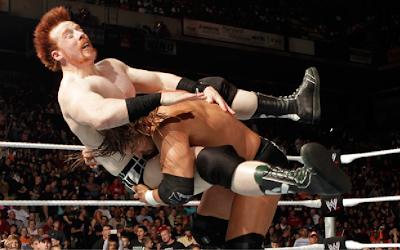 Triple H vs Sheamus - Unexpected turn Triple+H+vs.+Sheamus+(Street+Fight)2