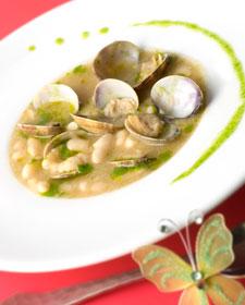 http://4.bp.blogspot.com/_W-QVP3rlJ34/TM5j5G3KkUI/AAAAAAAABDM/qZCM_xzJ60I/s1600/251010+alubias+blancas+con+almejas.jpg