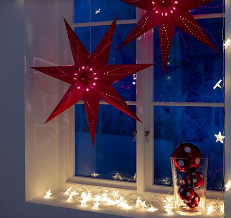Trucos ingeniosos para tu dia a dia decorar ventanas y for Como adornar ventanas y puertas de navidad