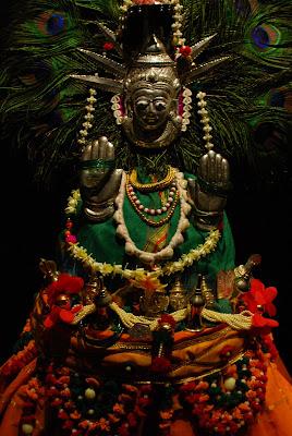 Yellama: a deusa dos travestis