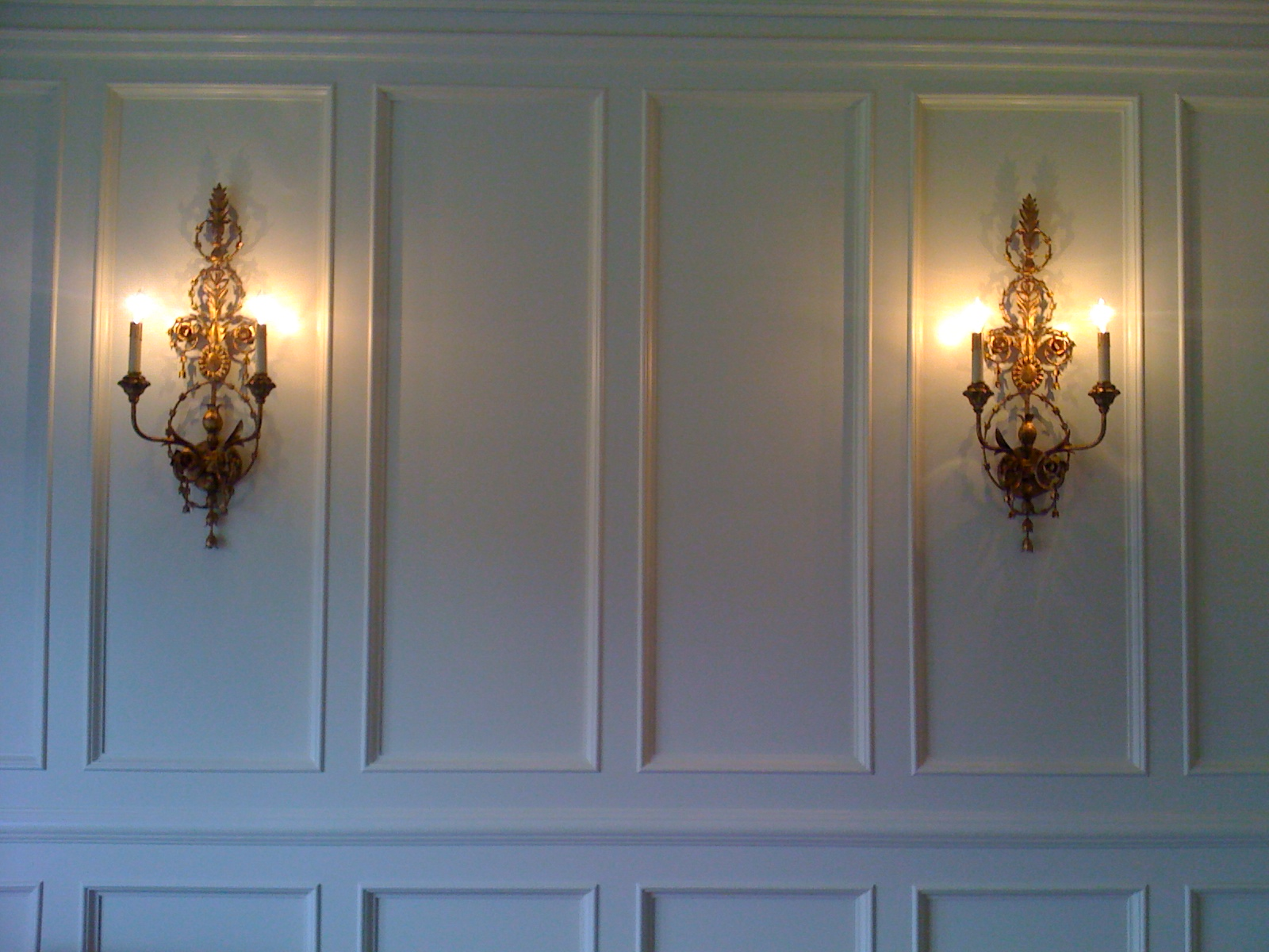 Wall Sconces In Dining Room : Southern Chateau: A Little Vendor Love: Currey and Co.