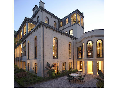 Southern chateau sumptuous historic home for sale in savannah for Victorian houses for sale in georgia
