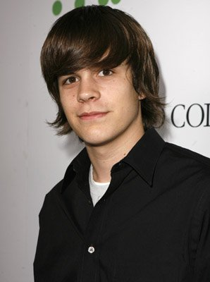 Johnny Simmons Pictures