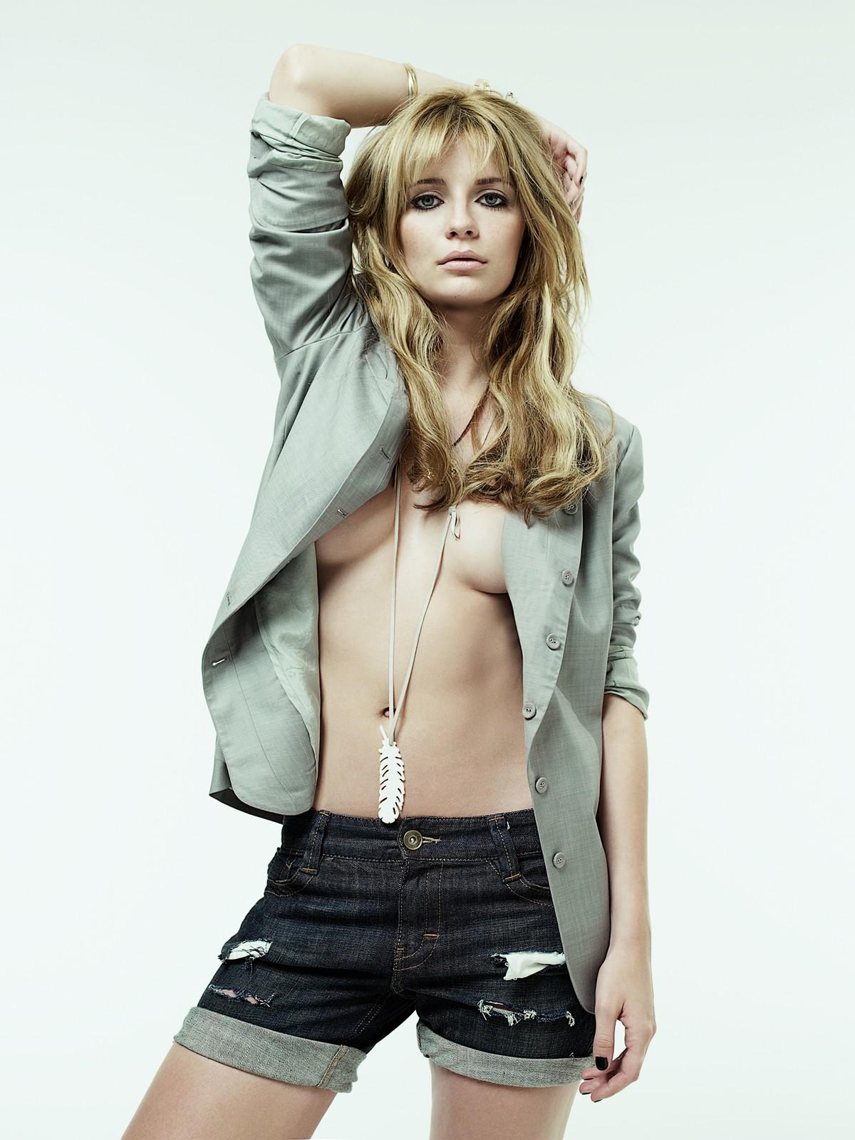 http://4.bp.blogspot.com/_W1p2f7P95hY/TSPDvHe6k7I/AAAAAAAAAFs/jQiouxZqOCk/s1600/mischa-barton-topless5.jpg