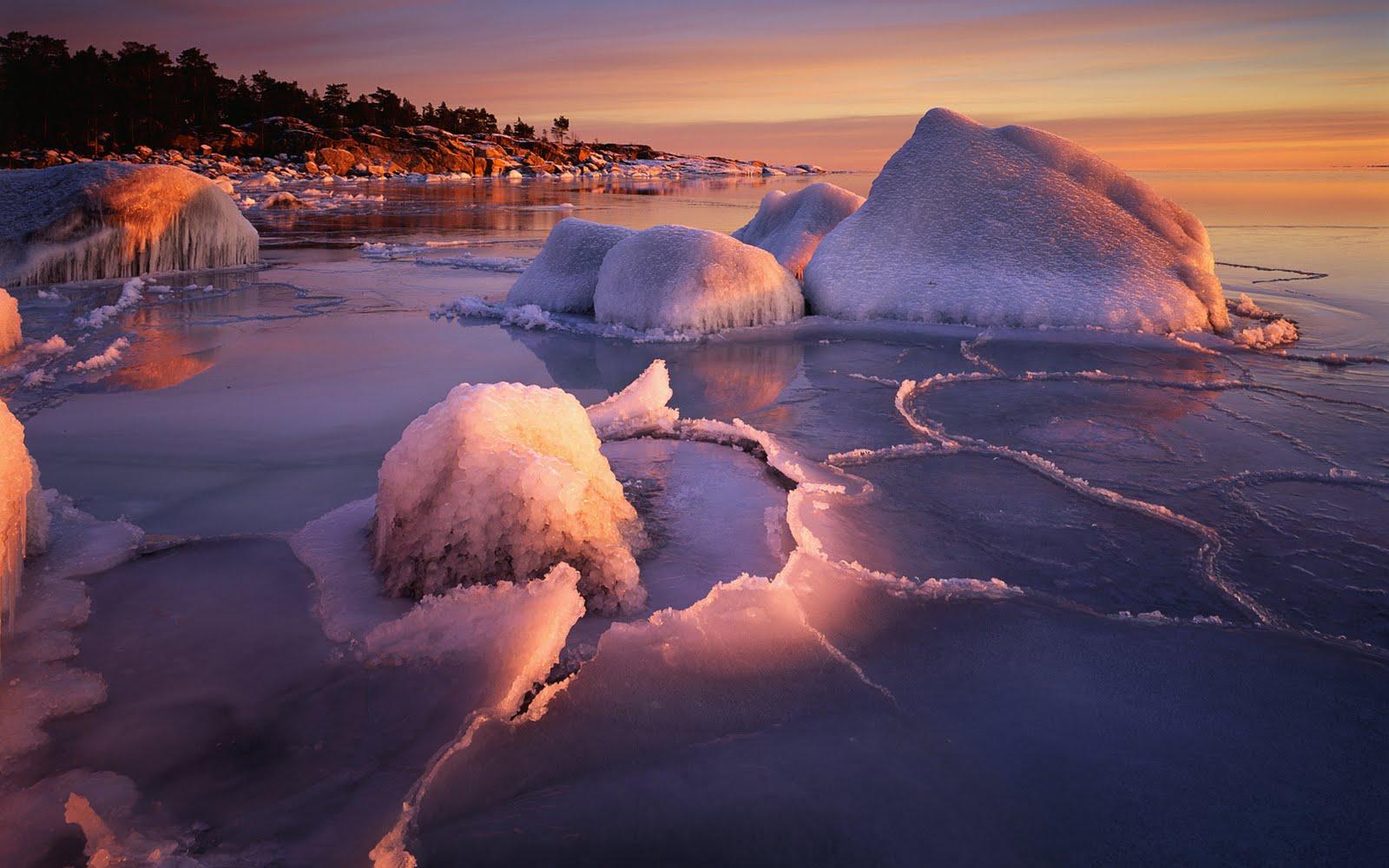 http://4.bp.blogspot.com/_W1ueYt1O3xs/TQqEGLJMuOI/AAAAAAAAXcI/RMRKPLYE3ZU/d/Winter+Landscape+Wallpapers+%25289%2529.jpg