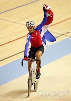 Yoanka González, plata en ciclismo en pista