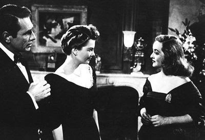 Anne Baxter y Bette Davis en Eva al desnudo (1950)