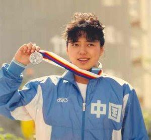 Seúl 1988 - Huang Xiaomin, medalla de plata en 200 metros braza