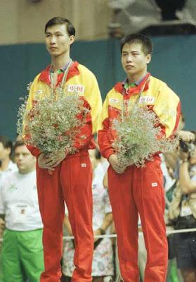 Barcelona 1992 -  Lu Lin y Wang Tao, campeones de dobles en tenis de mesa
