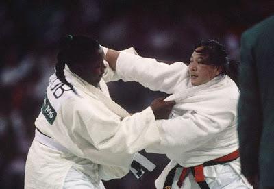 Atlanta 1996 - Sun Fuming y la cubana Estela Rodríguez se enfrentan en la final de +72 kg en judo