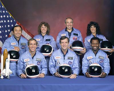 Tripulación del Challenger: Michael Smith, Dick Scobee, Ronald McNair, Ellison Onizuka, Christa McAuliffe, Gregory Jarvis y Judith Resnik