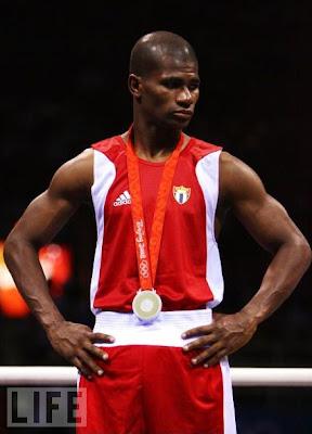 Yankiel León, plata en boxeo