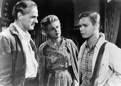 Karl Malden, Angela Lansbury y Brandon De Wilde en Su propio infierno (1962)