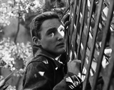 Dennis Hopper en Rebelde sin causa (1955)
