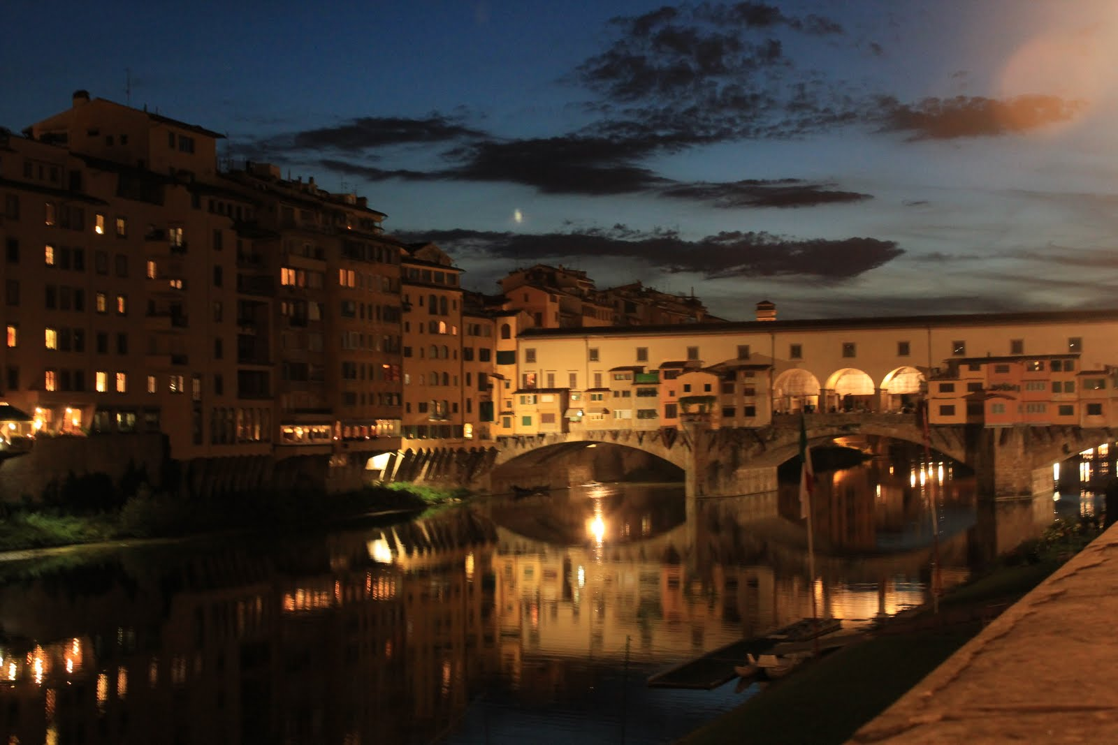 A Trail of Sanded Stones: Ponte Vecchio at night.