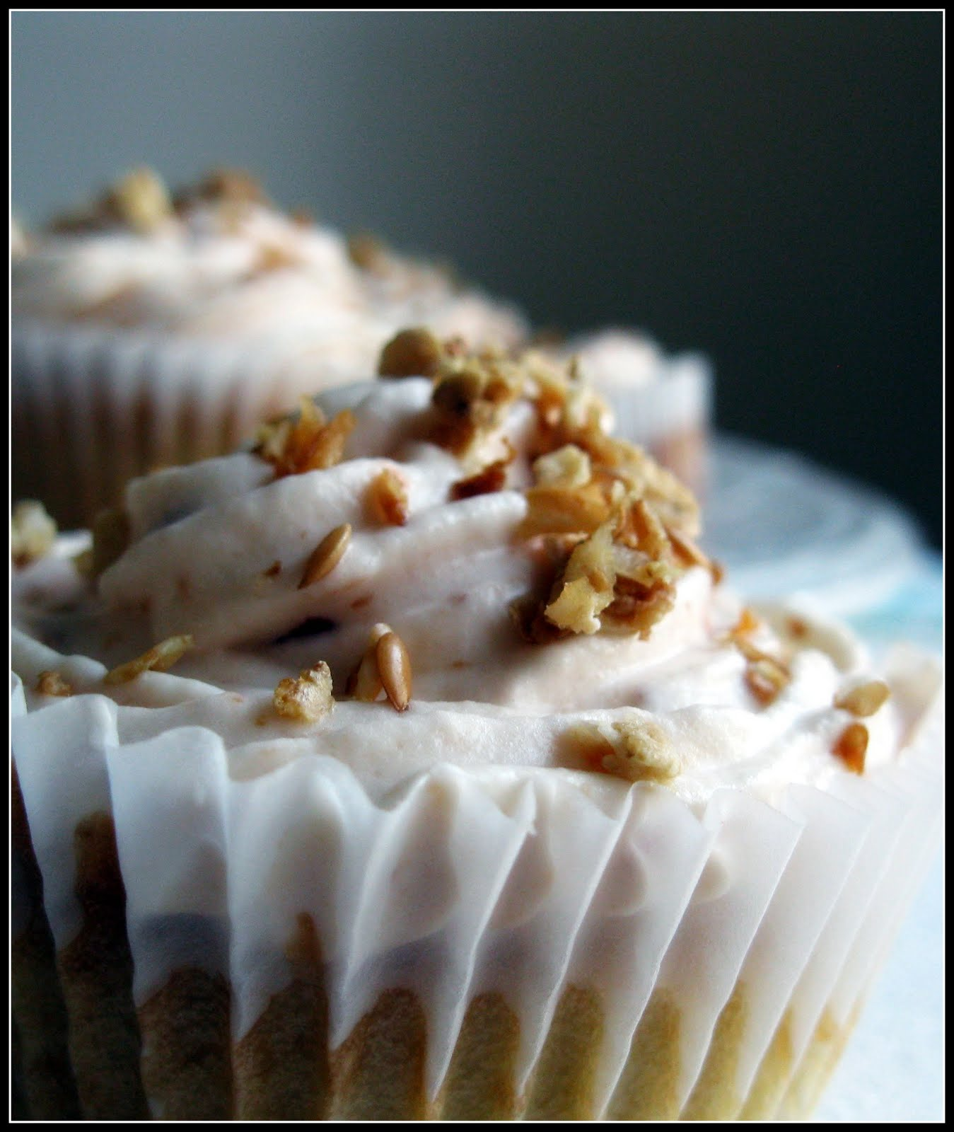 Whisk and A Prayer: Taste and Create: Peach Cobbler Cupcakes