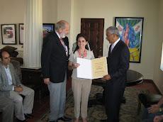 Entrega Diploma a Maria Inés Olarán Múgica de España residente en San Pablo, Brasil