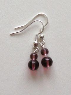 biżuteria z półfabrykatów - rubinowe korale (kolczyki)