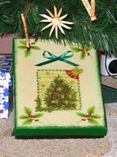 wyroby decoupage - świąteczne pudełko