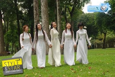 Girls in Ao Dai gallery