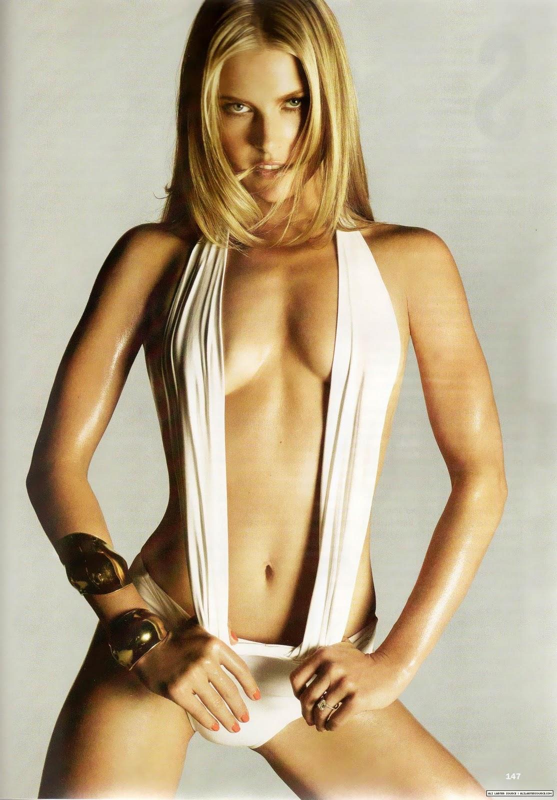 http://4.bp.blogspot.com/_WDCWEjl45FQ/TOwF-0RGajI/AAAAAAAAAeI/D8RCRiQbFWc/s1600/ali-larter-bikini-allure-03.jpg