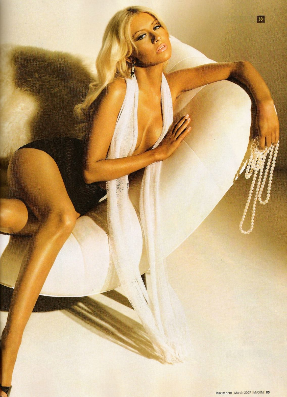 sexy christina aguilera pictures