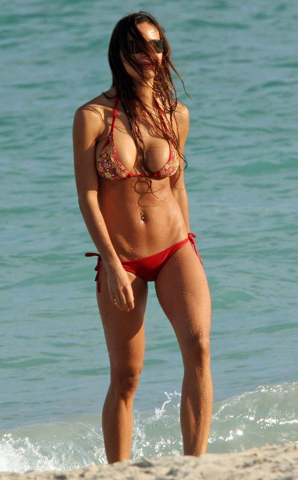 Fashion News Inspired Nina Moric Sexy Bikini