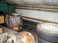la soffitta della fabbrica dove dormiva la donna