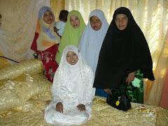 Ibu Tercinta bersama 2 anak,2 menantu,1 cucu