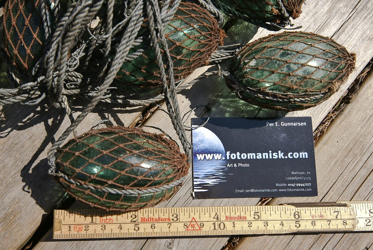 Glassfloat research fishing net with grooved glass floats for Fishing net floats