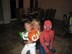 Tisha surrounded by Spidy & Buzz