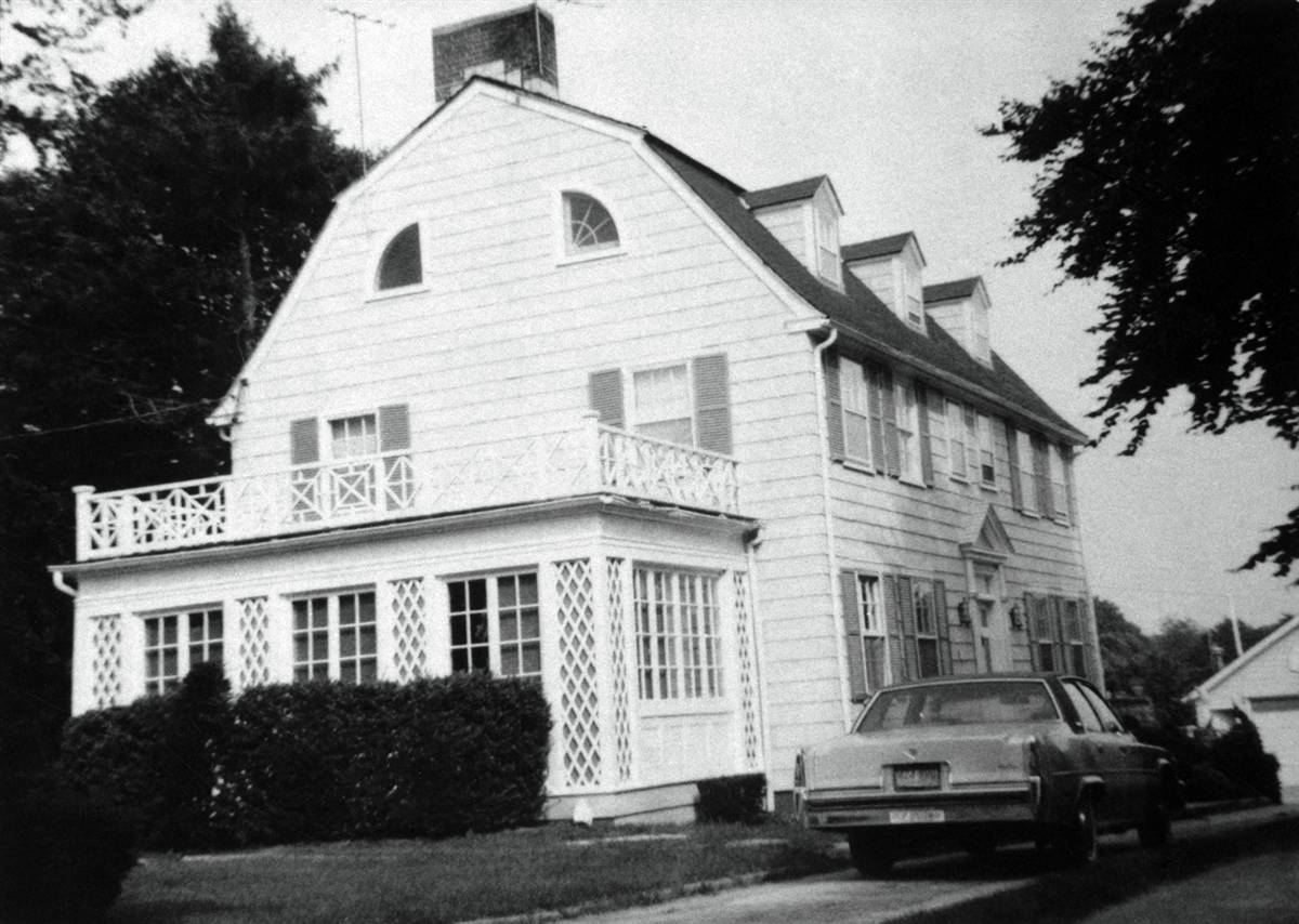 Amityville horror house up for sale my les paul forum for The amityville house for sale