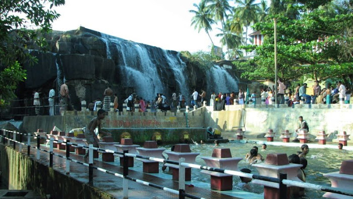 Thrupparappu Waterfalls