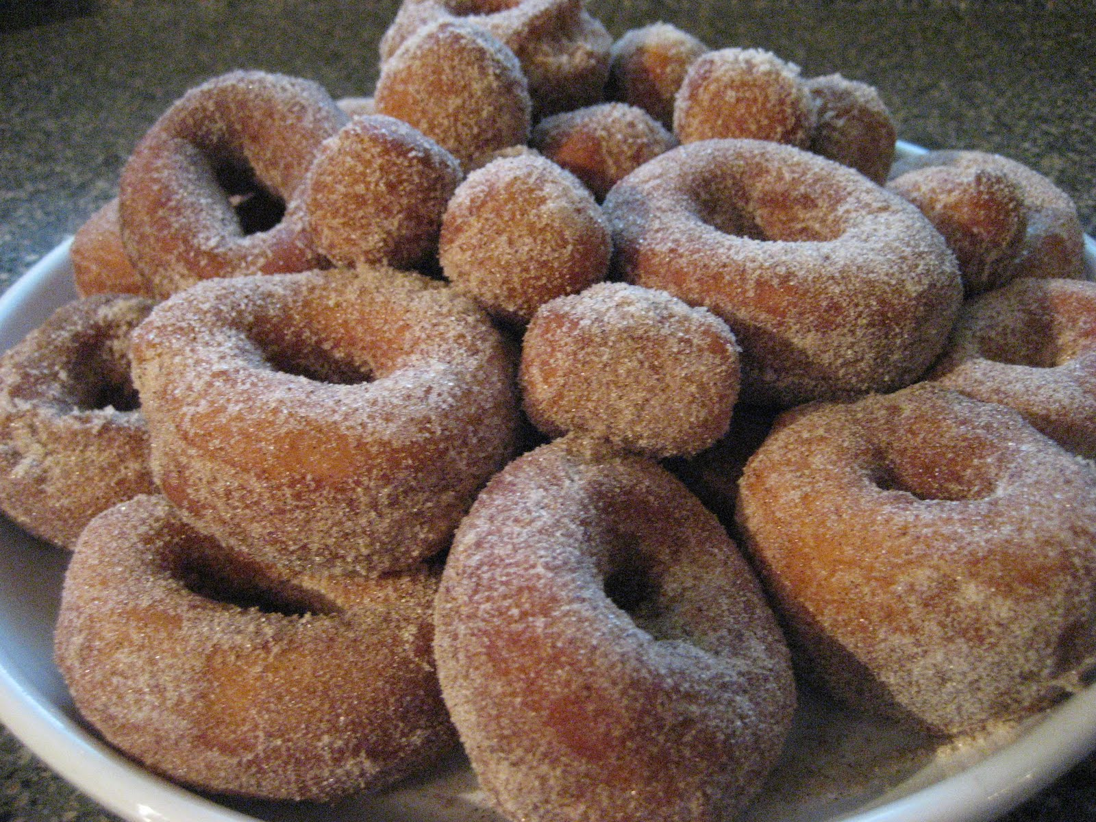 Pie Birds, Buttons and Muddy Puddles: Apple House Cinnamon Donuts