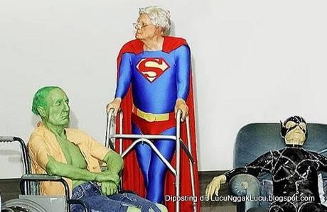 Lucu Manusia Super Udah Tua
